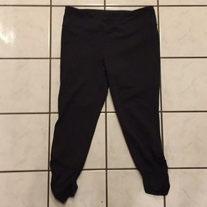 Victoria's Secret Made Sexy Crop Yoga Pants S